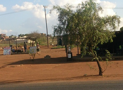 Roadside eateries located close to each other next to the main road in Soshanguve. Photo by Phindiwe Nkosi